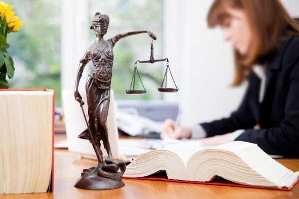¿Qué puntaje necesito para estudiar derecho?